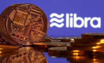 ¿Ahorrar en dólares o en la nueva moneda de Facebook? | Dilema