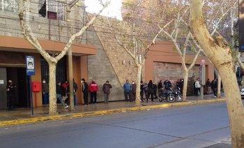 Volvieron los casinos en San Juan: colas de hasta 12 horas  | Coronavirus en argentina