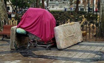 Una mujer murió de frío en una plaza de Córdoba | Córdoba