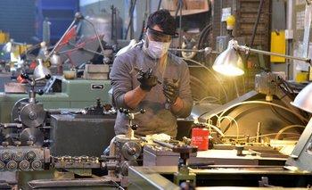 Informe oficial desmiente salida masiva de empresas del país | Crisis económica
