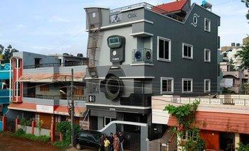La increíble casa con forma de cámara | Viral