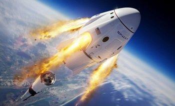 SpaceX Dragon evitó cruzarse con un misterioso OVNI | Espacio exterior