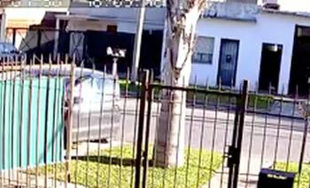 Le roban el auto con su hijo adentro y lo tiran en la calle | Policiales