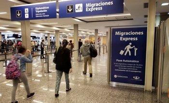 Bonaerenses deberán aislarse en hoteles al regresar del exterior | Coronavirus en argentina