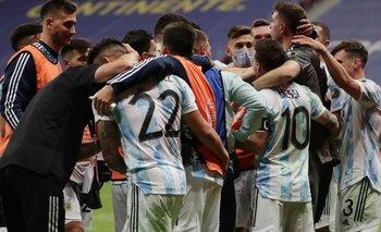 El descontrolado festejo de la Selección contra los periodistas | Copa américa 2021