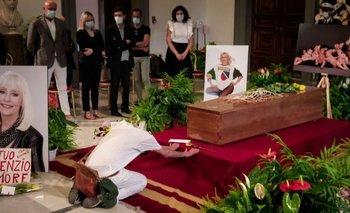Las impactantes fotos del último adiós a Raffaella Carrà | Raffaella carrá