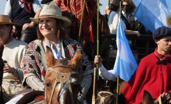 Con Bullrich a caballo, el campo protesta en San Nicolás   Agro