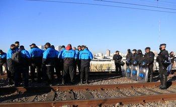 Corte de vías en el Roca retrasa la salida de trenes en Constitución | Transporte