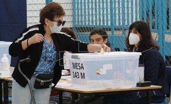 Los chilenos que quieran votar en Argentina quedaron exceptuados del aislamiento   Elecciones en chile