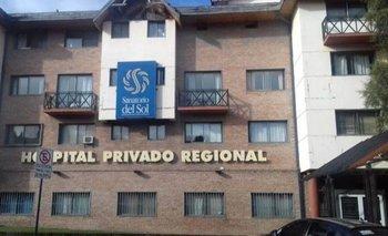 Un paciente con COVID-19 quiso escapar del hospital, se tiró de un segundo piso y murió    Bariloche