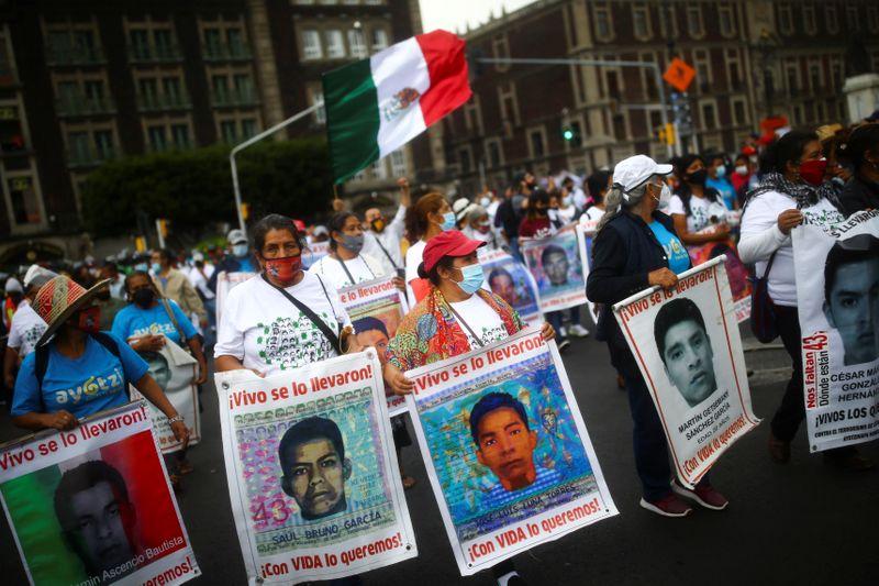 Muere testigo clave del caso de los 43 estudiantes desaparecidos en México | México