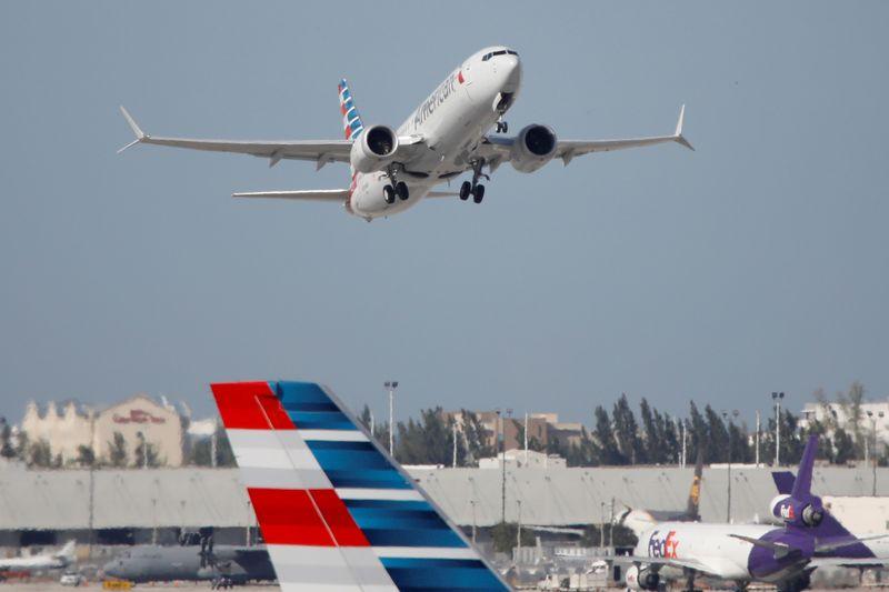 Biden se compromete a reducir las emisiones de la aviación para 2030   Cambio climático