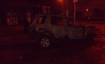 Incendiaron la camioneta del Pollo Sobrero | Paro sarmiento