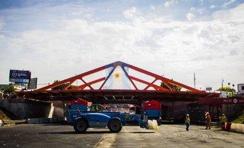 Video: así montaron el puente metálico sobre la General Paz   General paz
