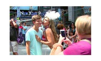 Mujeres desnudas en Times Square escandalizan a Nueva York | Noticias insólitas