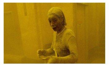 """Murió """"La dama de polvo"""", ícono fotográfico del 11-S   Marcy borders"""