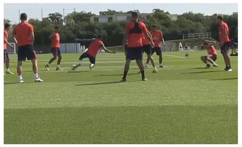 VIDEO: A Neymar lo dejaron en ridículo en un entrenamiento   Fútbol