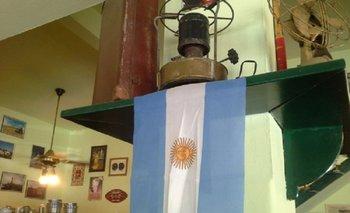 El cartel de un restaurante con un pedido contra Patricia Bullrich   La desaparición de santiago maldonado