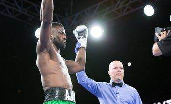 Insólito | Sin tirar un golpe, un boxeador logró la victoria más rápida de la historia | Boxeo