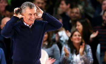 Macri imitó el Topo Gigio con el que Riquelme protestó en su contra | Elecciones 2019