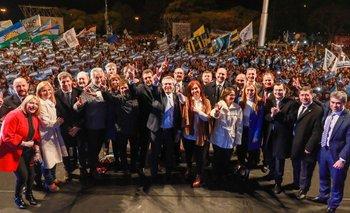 Los Fernández cerraron la campaña en Rosario frente a una multitud | Elecciones 2019