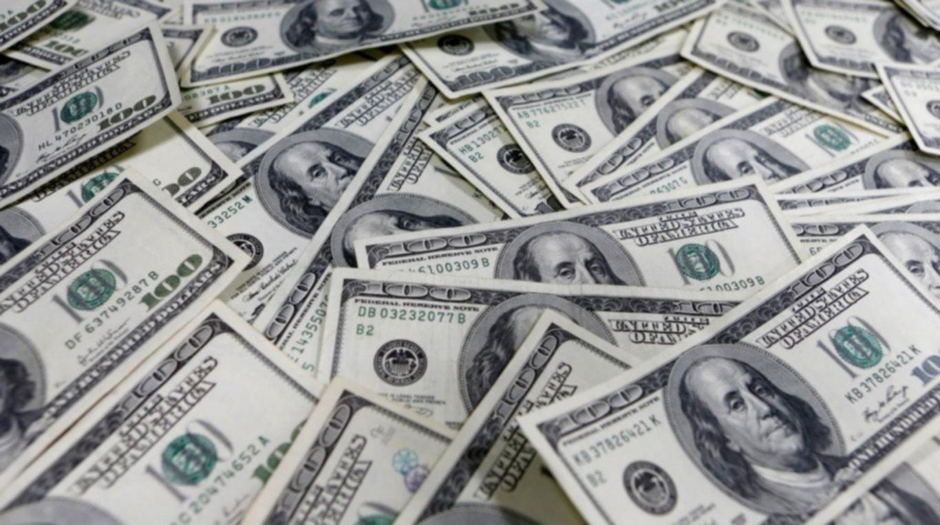 Contenido por el Central, el dólar terminó a $57,29