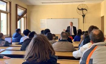 Tras ganar las PASO, Fernández volvió a dar clases a la UBA   Elecciones 2019