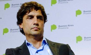 Lacunza recibió por separado a Dujovne y a Sandleris y se prepara para reunirse con Macri   Cambios en el gabinete