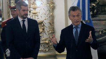 Mauricio Macri y Marcos Peña, los políticos con peor imagen   Encuestas