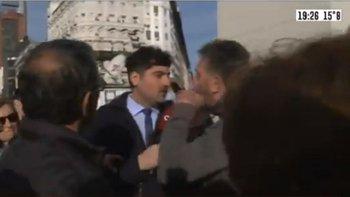 Otro periodista de C5N fue atacado por los militantes macristas en el Obelisco | C5n