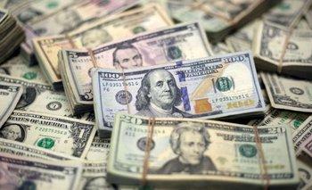 Alarma por siete días consecutivos de salida de los depósitos en dólares | Crisis económica