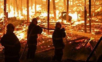 El gobierno de Bolsonaro rechaza ayuda por el incendio en Amazonas | Incendio en el amazonas