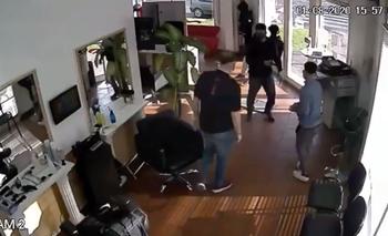 Llevó a su hijo a cortarse el pelo y terminó robando la peluquería | Policiales