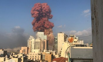Video: Las impactantes imágenes de la potente explosión en Beirut | Líbano