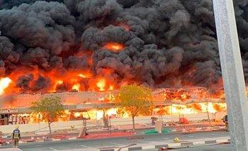 Emiratos Árabes Unidos en alerta: grave incendio en un mercado | Accidente