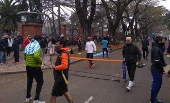 Rompieron la cuarentena para pedir que se permita jugar al tenis | Coronavirus en argentina