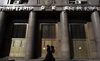 El Tesoro logró refinanciación del 108% y bajó a la mitad los vencimientos de abril | Deuda
