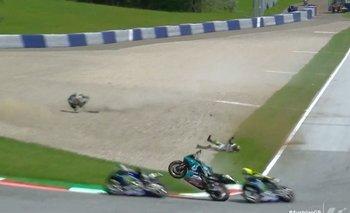 Video: Valentino Rossi se salva de milagro de dos motos voladoras | Motogp