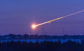 Las impactantes imágenes de la caída de un meteorito en México   Espacio exterior