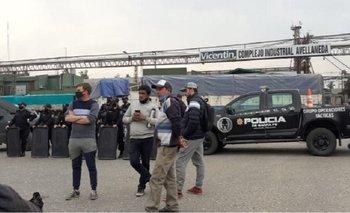 Empleados de algodonera Avellaneda bloquean otras plantas de Vicentin | Vicentin