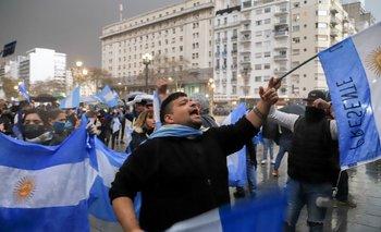Simulacro democrático   Coronavirus en argentina