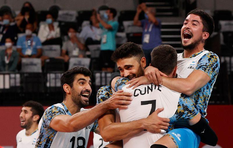 ¿Cómo sigue la carrera hacia la medalla del vóley argentino?    Juegos olímpicos