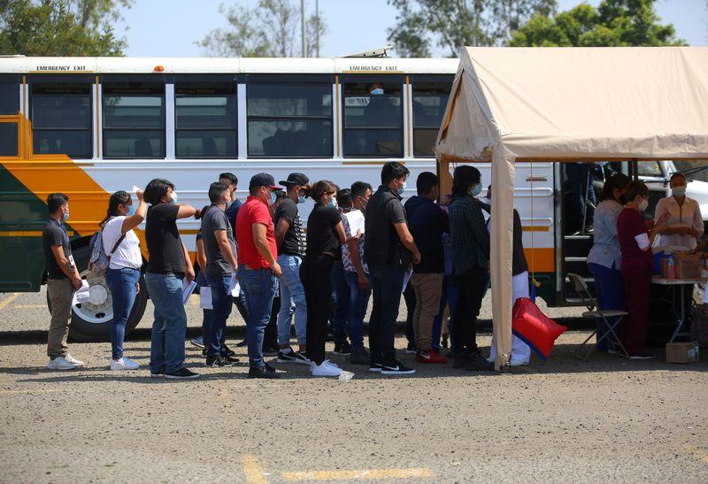 Miles de niños migrantes atrapados por patrullas fronterizas en EEUU | Inmigración