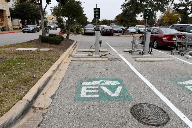 EEUU quiere que la mitad de los autos sean eléctricos en 2030  | Medio ambiente