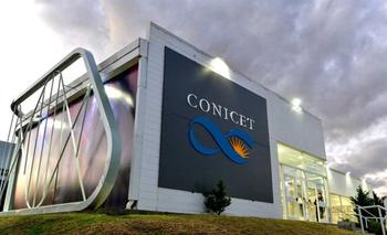 CONICET: crean un reactor químico con dos latas y tubos caseros | Ministerio de ciencia y tecnología