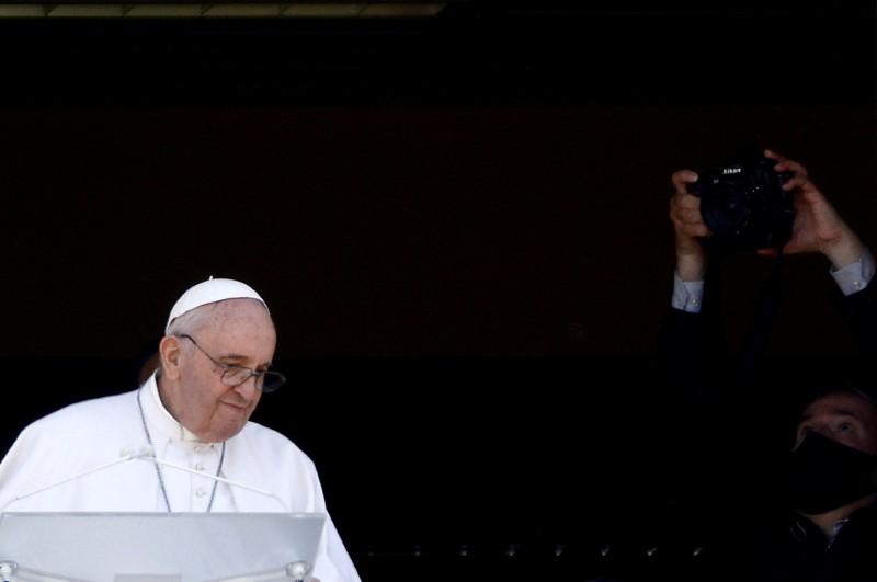 El Papa Francisco pidió vacunarse y denunció la desigualdad en su acceso   Papa francisco
