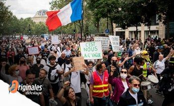 A favor o contra del pase sanitario: la nueva grieta en Francia   Francia