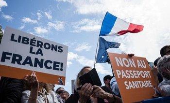Miles de personas protestaron en Francia contra el pasaporte sanitario | Vacuna