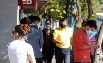Registran 3 muertes y más de 700 contagios de COVID-19 en un día | Coronavirus en argentina