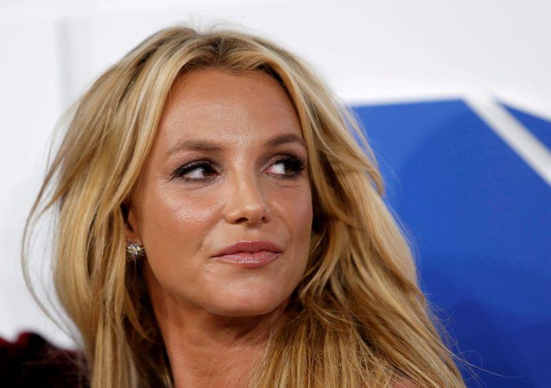 Padre de Britney Spears acepta ceder el control sobre su hija | Britney spears